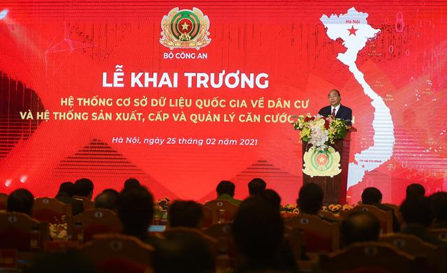 Thủ tướng: Việc hoàn thành 2 hệ thống dữ liệu về dân cư thể hiện nỗ lực mạnh mẽ của cả Chính phủ - Ảnh 2.