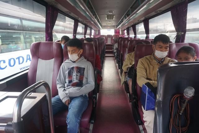 """Những """"Chuyến xe Công đoàn"""" miễn phí đưa hàng nghìn công nhân về quê ăn Tết - Ảnh 11."""