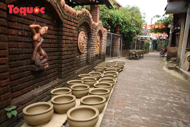 Tết Tân Sửu, về làng gốm hơn 500 tuổi xem nghệ nhân nặn tượng trâu đất - Ảnh 14.