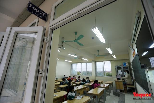 Ngày đầu trở lại trường của học sinh Tiểu Học Xuân Phương - Ảnh 11.