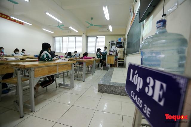 Ngày đầu trở lại trường của học sinh Tiểu Học Xuân Phương - Ảnh 13.
