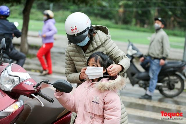 Ngày đầu trở lại trường của học sinh Tiểu Học Xuân Phương - Ảnh 4.