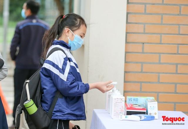 Ngày đầu trở lại trường của học sinh Tiểu Học Xuân Phương - Ảnh 6.