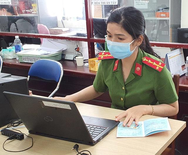 Công an Đà Nẵng tăng tốc cấp căn cước công dân có gắn thẻ chip cho người dân - Ảnh 10.