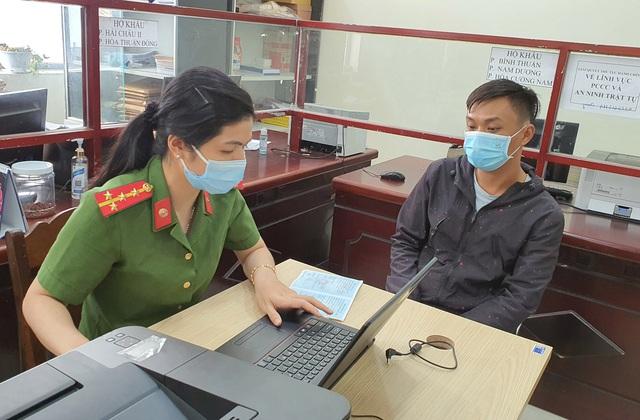 Công an Đà Nẵng tăng tốc cấp căn cước công dân có gắn thẻ chip cho người dân - Ảnh 12.