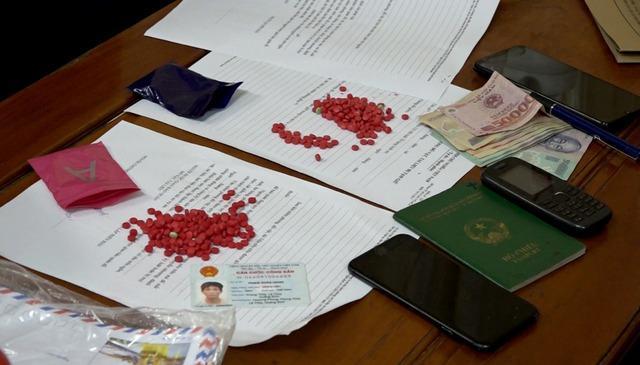 Quảng Bình: Liên tiếp bắt các đối tượng tàng trữ ma tuý số lượng lớn - Ảnh 1.