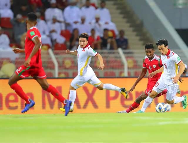Tuyển Việt Nam trắng tay trong chuyến làm khách trên sân nhà tuyển Oman - Ảnh 1.