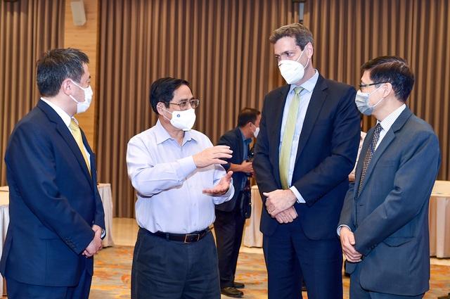 Thủ tướng chủ trì Hội thảo phục hồi kinh tế, thích ứng linh hoạt, an toàn với đại dịch - Ảnh 3.