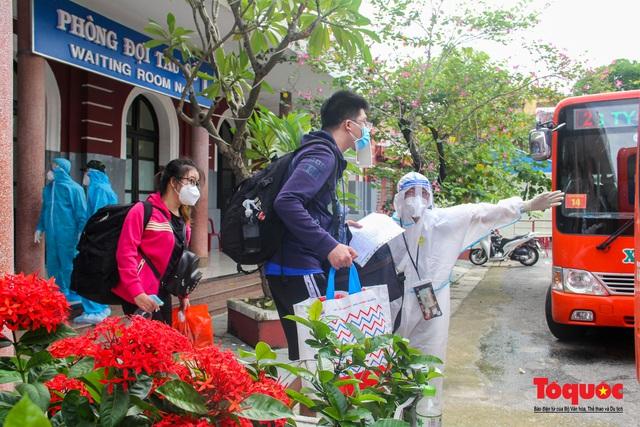 Thêm gần 600 công dân được Thừa Thiên Huế đón về quê bằng tàu hỏa - Ảnh 14.