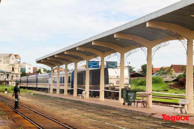 Thêm gần 600 công dân được Thừa Thiên Huế đón về quê bằng tàu hỏa - Ảnh 2.