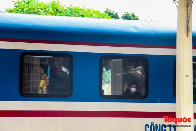 Thêm gần 600 công dân được Thừa Thiên Huế đón về quê bằng tàu hỏa - Ảnh 3.