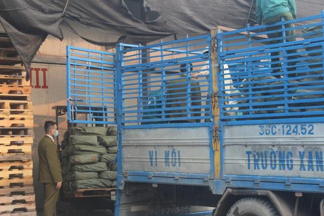 Kinh doanh trên 9 tấn nầm lợn không rõ nguồn gốc, đối tượng bị xử phạt gần 100 triệu đồng - Ảnh 3.
