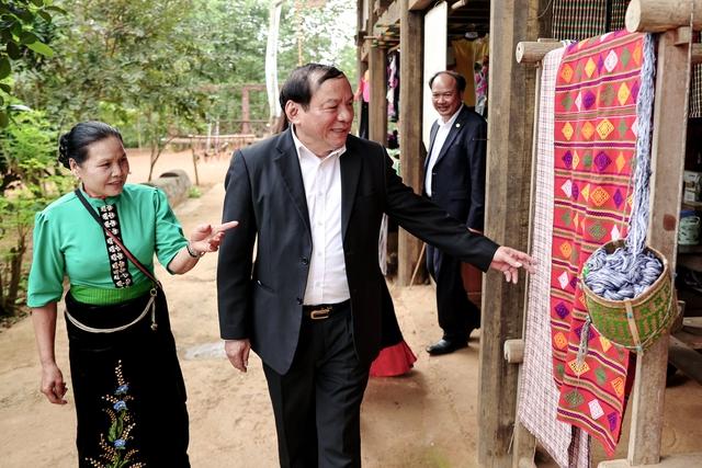 Thứ trưởng Nguyễn Văn Hùng: Bộ VHTTDL phải tiếp tục lan tỏa những tinh thần tốt đẹp của phong trào Tết trồng cây - Ảnh 3.