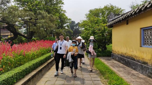 Thừa Thiên Huế bàn cách phục hồi, phát triển du lịch trong trạng thái bình thường mới - Ảnh 2.