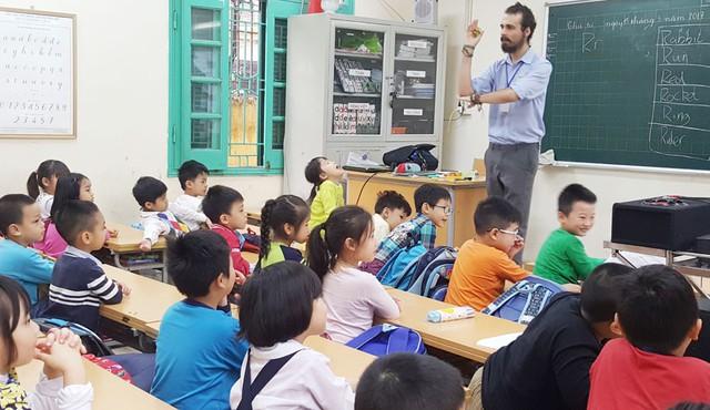 Bộ GDĐT thông tin về việc thí điểm dạy tiếng Hàn, tiếng Đức trong chương trình giáo dục phổ thông - Ảnh 1.