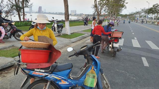 Ruốc biển tươi rói bên bờ biển Đà Nẵng - Ảnh 11.