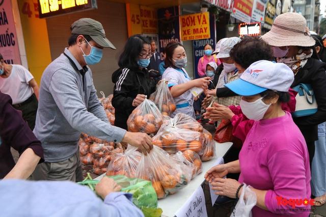 """""""Giải cứu"""" nông sản Hà Giang và Hải Dương, phát miễn phí đến bệnh nhân, người lao động nghèo - Ảnh 9."""
