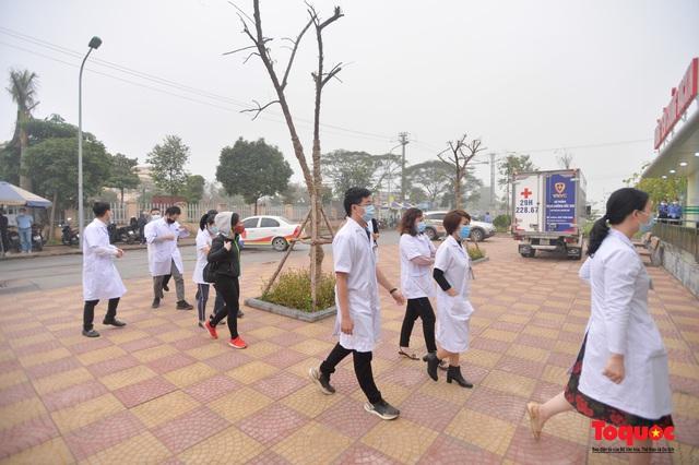 Chính thức tiêm những mũi vắc xin COVID-19 của AstraZeneca tại Việt Nam - Ảnh 2.