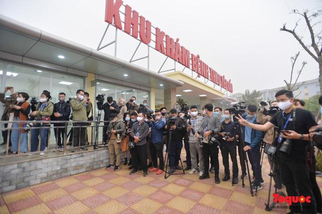 Chính thức tiêm những mũi vắc xin COVID-19 của AstraZeneca tại Việt Nam - Ảnh 3.