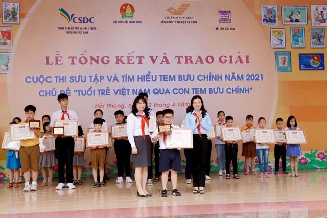 """Lễ Tổng kết và trao giải thưởng cuộc thi Sưu tập và tìm hiểu tem Bưu chính năm 2021 với chủ đề """"Tuổi trẻ Việt Nam qua con tem bưu chính"""" - Ảnh 2."""