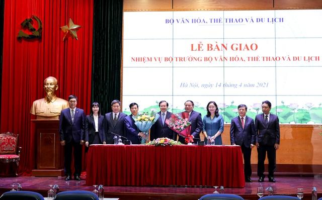 """Bộ trưởng Nguyễn Văn Hùng: Phải học hỏi, vận dụng để đưa """"cỗ xe tam mã"""" văn hóa, thể thao, du lịch về đích thành công - Ảnh 4."""