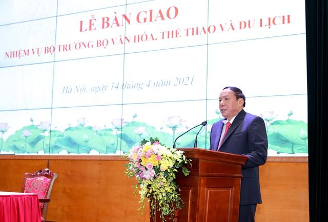 """Bộ trưởng Nguyễn Văn Hùng: Phải học hỏi, vận dụng để đưa """"cỗ xe tam mã"""" văn hóa, thể thao, du lịch về đích thành công - Ảnh 1."""