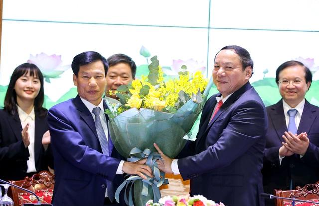 """Bộ trưởng Nguyễn Văn Hùng: Phải học hỏi, vận dụng để đưa """"cỗ xe tam mã"""" văn hóa, thể thao, du lịch về đích thành công - Ảnh 2."""