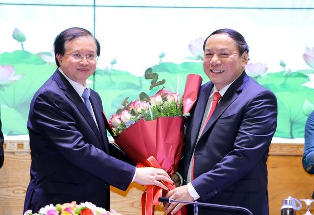 """Bộ trưởng Nguyễn Văn Hùng: Phải học hỏi, vận dụng để đưa """"cỗ xe tam mã"""" văn hóa, thể thao, du lịch về đích thành công - Ảnh 3."""