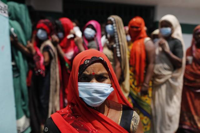 Ấn Độ đạt kỷ lục 200.000 ca nhiễm Covid-19 trong một ngày - Ảnh 1.