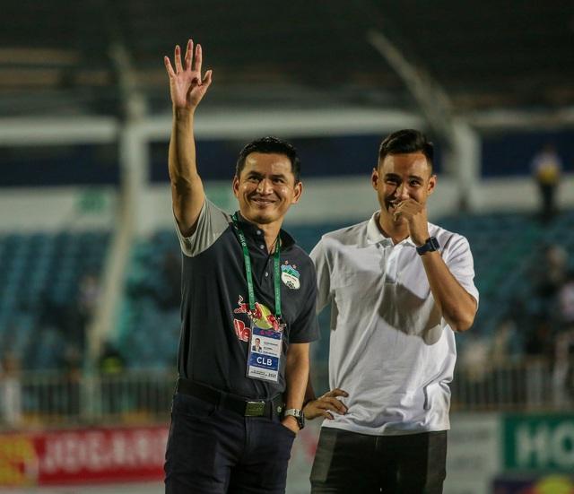 """Sau trận """"siêu kinh điển"""", HAGL tươi cười thỏa mãn, Hà Nội FC nhìn về nơi xa xăm - Ảnh 9."""