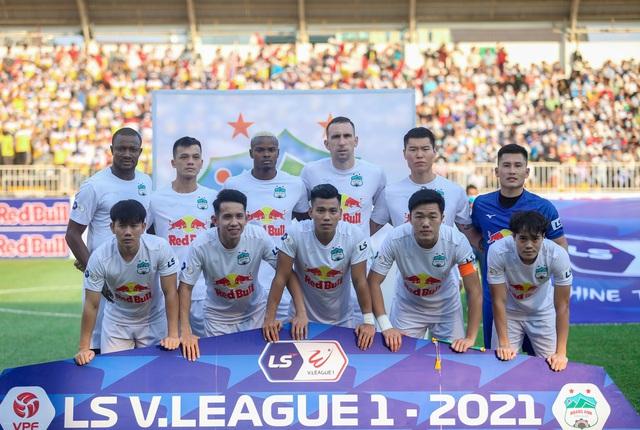 """Sau trận """"siêu kinh điển"""", HAGL tươi cười thỏa mãn, Hà Nội FC nhìn về nơi xa xăm - Ảnh 1."""