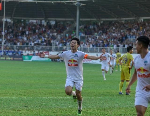 """Sau trận """"siêu kinh điển"""", HAGL tươi cười thỏa mãn, Hà Nội FC nhìn về nơi xa xăm - Ảnh 5."""