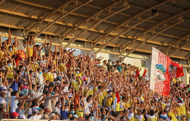 """Sau trận """"siêu kinh điển"""", HAGL tươi cười thỏa mãn, Hà Nội FC nhìn về nơi xa xăm - Ảnh 2."""