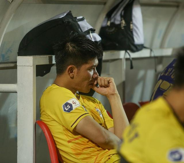 """Sau trận """"siêu kinh điển"""", HAGL tươi cười thỏa mãn, Hà Nội FC nhìn về nơi xa xăm - Ảnh 8."""