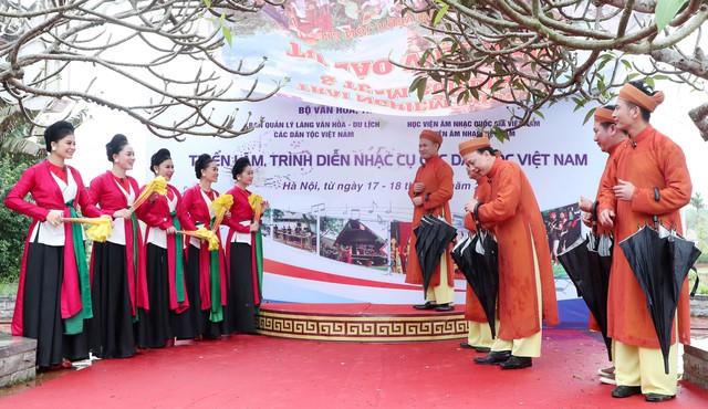 Trưng bày 30 loại nhạc cụ truyền thống tiêu biểu của các dân tộc Việt Nam - Ảnh 1.