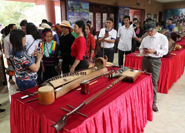 Trưng bày 30 loại nhạc cụ truyền thống tiêu biểu của các dân tộc Việt Nam - Ảnh 7.