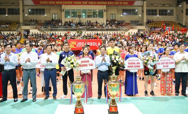 Phú Thọ: Khai mạc giải bóng chuyền vô địch Quốc gia - Cúp Hùng Vương 2021 - Ảnh 1.