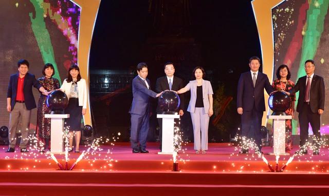 Khai mạc Lễ hội Du lịch và văn hóa ẩm thực Hà Nội 2021 - Ảnh 1.