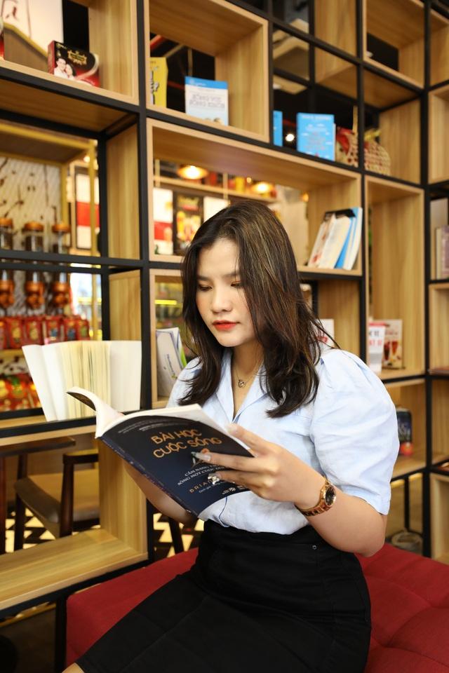 King Coffee Võ Văn Tần, cửa hàng cà phê sách sang-xịn-mịn team thích check-in không thể bỏ qua - Ảnh 4.