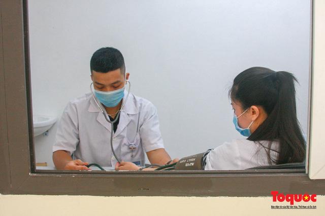 Thừa Thiên Huế bắt đầu tiêm chủng vaccine phòng Covid-19 - Ảnh 3.