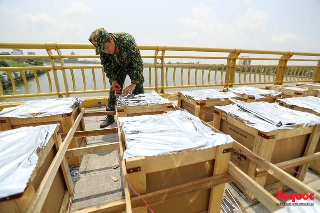 Cận cảnh trận địa pháo hoa kỷ niệm lễ Giỗ tổ Hùng Vương (10.3 Âm lịch) - Ảnh 9.