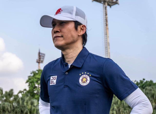 Tân HLV trưởng Hà Nội FC thừa nhận HAGL là đội bóng mạnh - Ảnh 1.