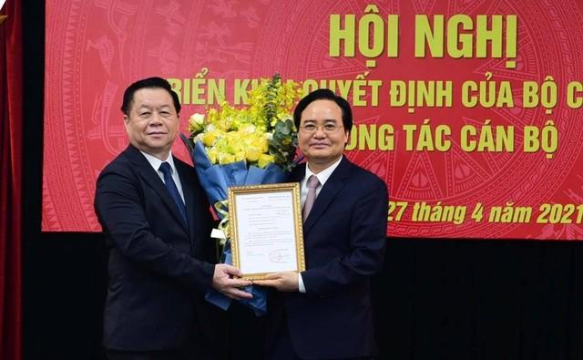 Bộ Chính trị bổ nhiệm ông Phùng Xuân Nhạ làm Phó trưởng Ban Tuyên giáo Trung ương - Ảnh 1.