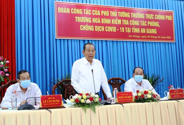 Phó Thủ tướng Trương Hòa Bình kiểm tra, chỉ đạo phòng, chống dịch tại An Giang - Ảnh 2.