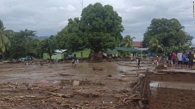 Lũ lụt ở Indonesia và Đông Timor khiến hàng chục người tử vong - Ảnh 1.