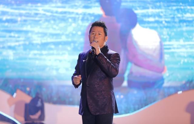 """Bằng Kiều – Minh Tuyết hòa nhịp cùng hàng ngàn khán giả xứ Thanh trong đêm nhạc """"Chuyện tình yêu"""" - Ảnh 2."""