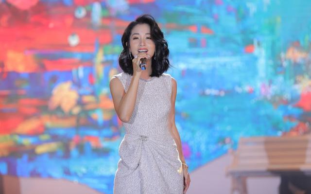 """Bằng Kiều – Minh Tuyết hòa nhịp cùng hàng ngàn khán giả xứ Thanh trong đêm nhạc """"Chuyện tình yêu"""" - Ảnh 6."""