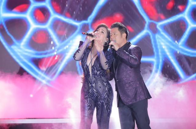 """Bằng Kiều – Minh Tuyết hòa nhịp cùng hàng ngàn khán giả xứ Thanh trong đêm nhạc """"Chuyện tình yêu"""" - Ảnh 9."""