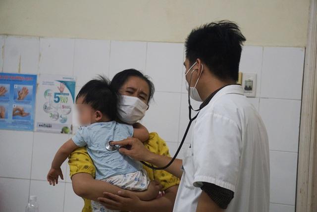Đà Nẵng: Nhiều trẻ nhập viện do bệnh tay chân miệng  - Ảnh 1.