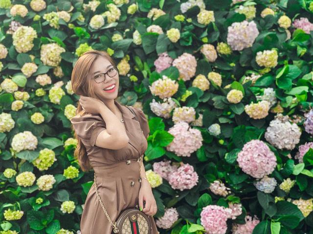 Du khách háo hức check in trước thềm Lễ hội hoa Sầm Sơn - Ảnh 1.